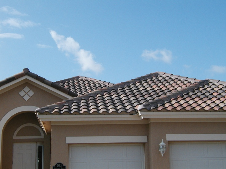 Tile Roofs And Stucco Siding Are Standard Gho Features In