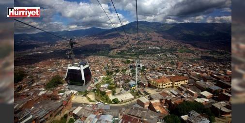 Pablo Escobarın sakin ve huzurlu şehri: Medellin: Güney Amerikanın en güzel ülkelerinden Kolombiya... Pablo Escobar ile biraz kötü anılsa da yaklaşık 2.5 milyon civarındaki nüfusuyla ikinci büyük şehri Medellin tam bir cennet. Özellikle Escobar burada halk kahramanı... Nedeni ise çok ilginç. Rengârenk evleri Kolombiyanın hiçbir şehrinde bulunmayan metro ve teleferik hattıyla görülmeye değer birçok doğal güzelliğe sahip. Gittim gördüm. Sonuç; burası yaşanılacak yer.