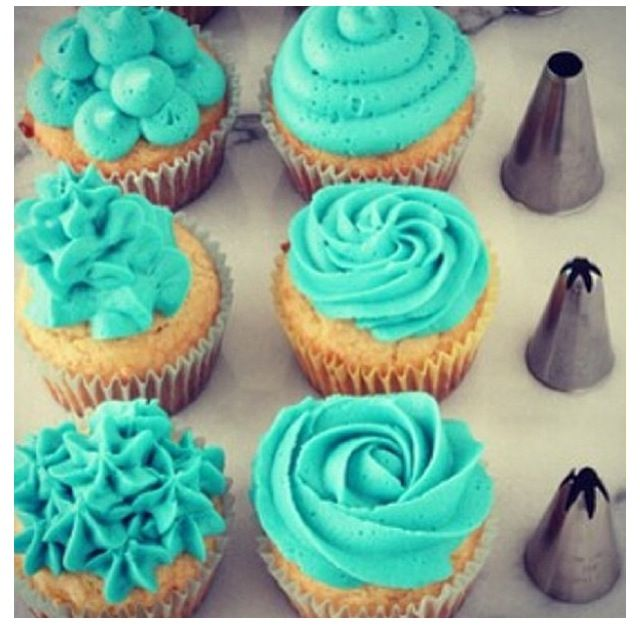 Wilton Tips love the color iceing Cupcakes & Cakes ...