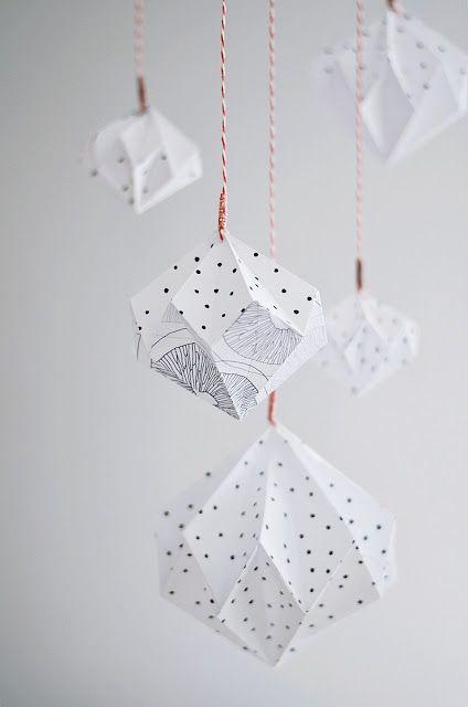 s i n n e n r a u s c h // DIY origami here : http://ann-meer.blogspot.com.es/2012/07/diy-paper-diamontcrystal.html