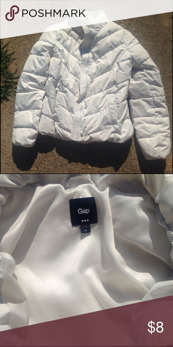 Women's puffer jacket size medium guess All white puffer jacket size medium name brand guess- good used condition Guess Jackets & Coats Puffers