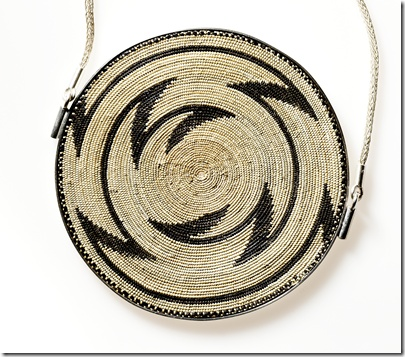 Jewellery of natural fibers from Butare, Rwanda, designed and made in cooperation with Martina Dempf, Germany (photograph by Sebastian Ahlers)