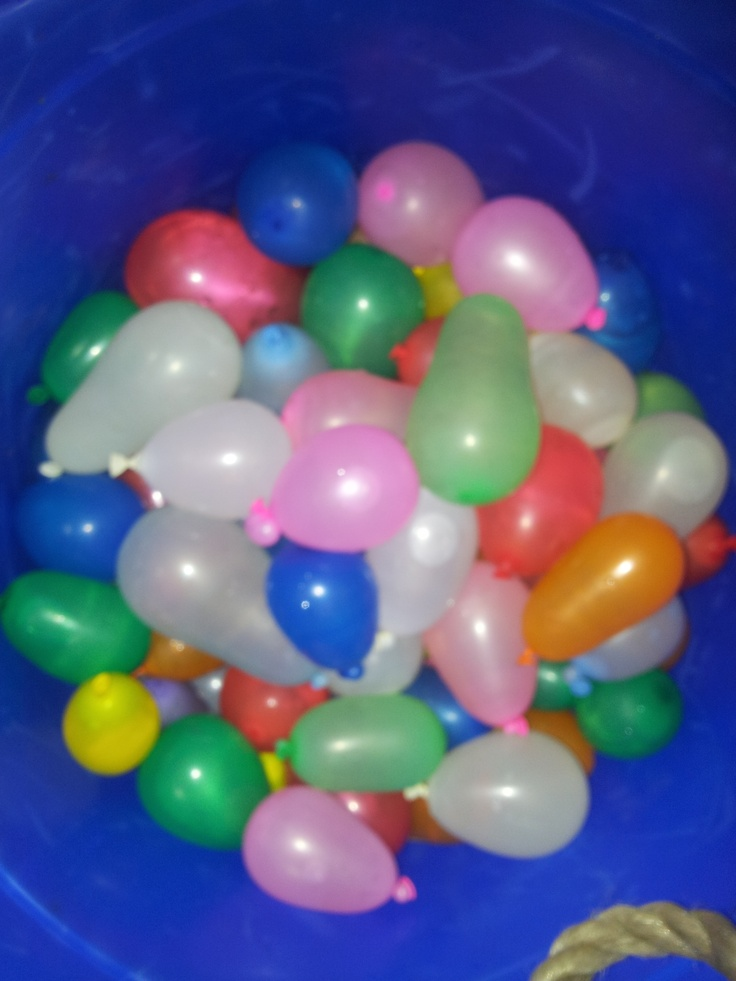 Lots of waterballoons at the holiday program, this weather is fantastic. Only a few days of holiday fun left. http://www.kidzexercise.com.au/index.php?page=Kids-sports-camps