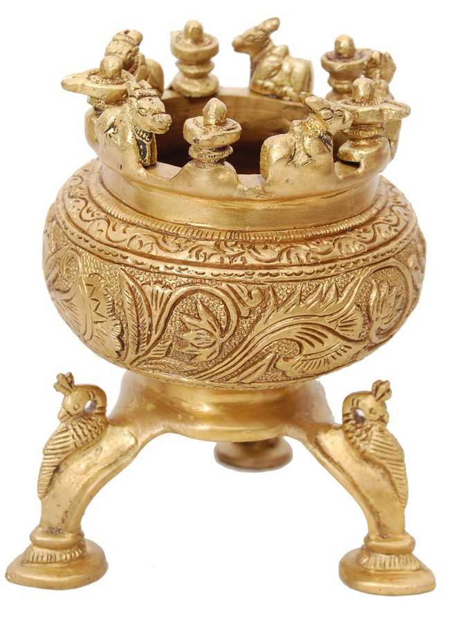 Brass Statues Flower vase with stand Brass decor
