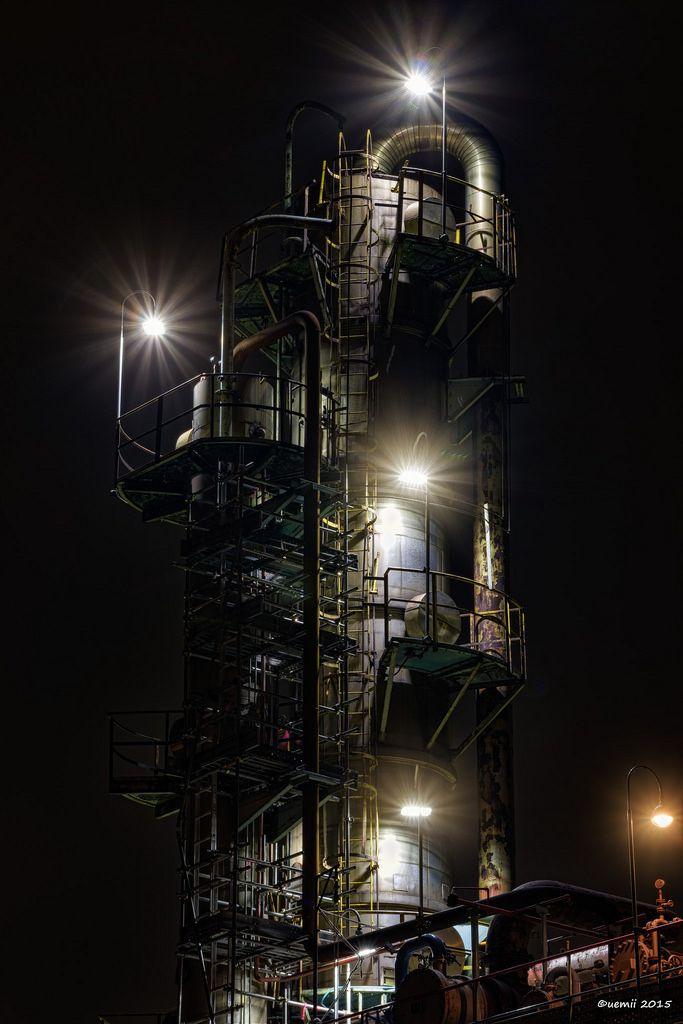 https://flic.kr/p/zJjvW5   Dazzle - 眩しい   ライトがLEDに変わって眩しくなり、いつもの5ブラケット設定では白飛びしてしまう。ここ最近の東京タワーの明るいライトもそうですがブラケッターには厳しい世の中になってしまいましたね。  CANON EOS 7D + TAMRON SP AF 28-75mm F/2.8  #CoolJapan #kawasaki #technoscape #pipescape #5ブラケット