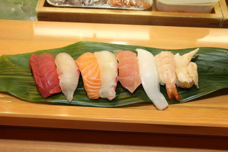 福岡に来てこの寿司を食べないなんて!地元民も並ぶ天神「ひょうたん寿司」で絶品握りランチをとにかく食べてほしい - みんなのごはん