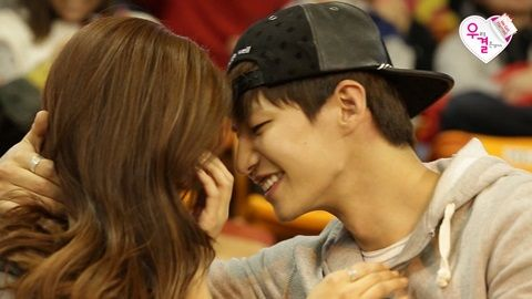 """Preview stills for the upcoming episode of """"We Got Married"""" show Kim So Eun continuing her job as Song Jae Rim's manager for a day. The day ends with a sweet date at a basketball game, where Kim So Eun surprises Song Jae Rim with a cheerleading dance routine to a popular girl group song. In playing ..."""