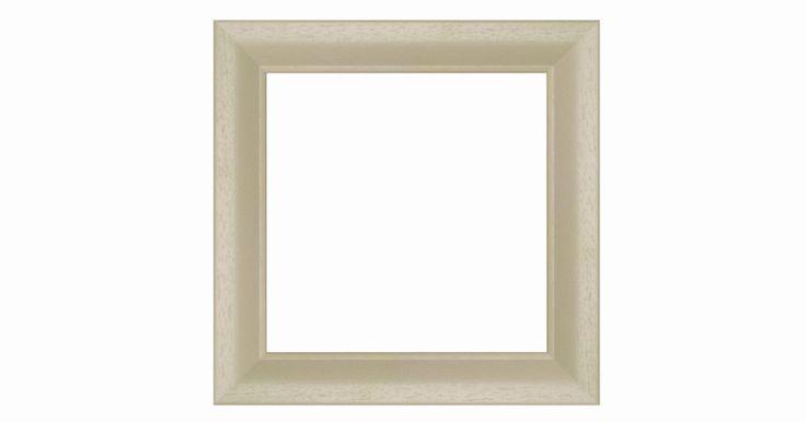 Cómo encontrar la longitud del lado de un cuadrado con un área dada. Un cuadrado es un cuadrilátero, lo que significa que es un polígono bidimensional con cuatro lados. Se considera un cuadrilátero regular porque cada lado tiene la misma longitud y cada uno de sus ángulos mide 90 grados, o forman un ángulo recto. Un cuadrado también es un paralelogramo debido a que sus lados opuestos son paralelos. El área de un ...