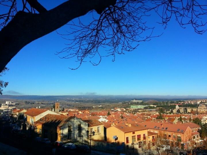 #Ávila, vista de la zona norte. Al fondo, la #Universidad.