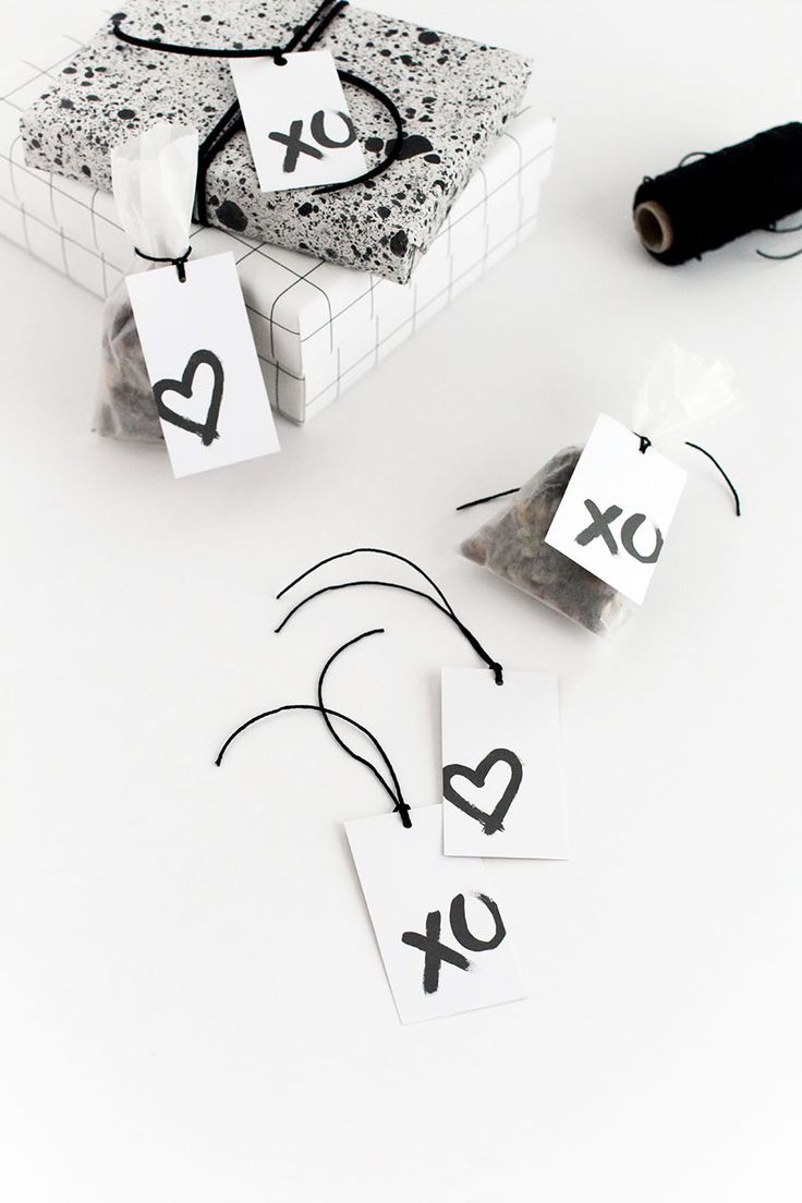 Valentine's Day gift tags.