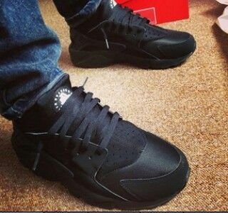 huarache all black