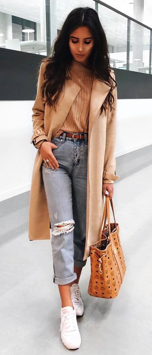 casual style obsession / nude coat + sweater + bag + boyfriend jeans + sneakers