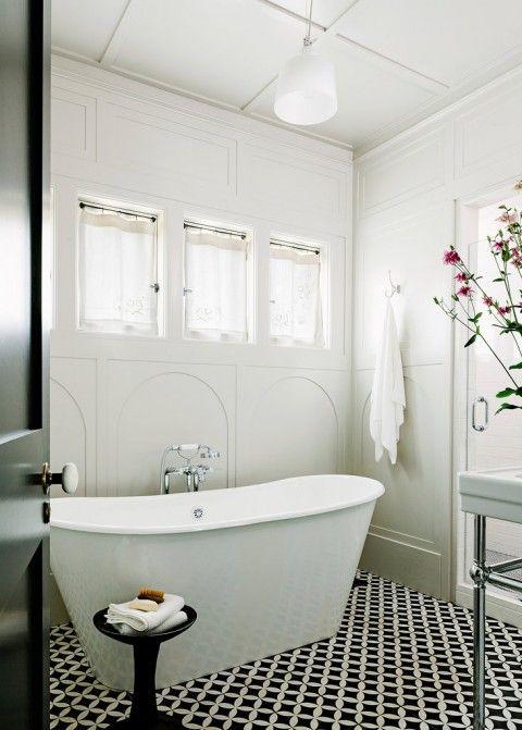 Built in 1915 homeowners karen gilliam and sara van for 1915 bathroom photos