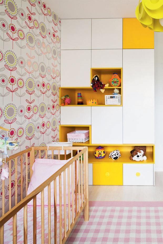 Детская для девочки: комната в лучах солнца