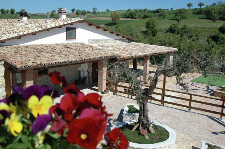 Heerlijk vakantiehuis in de Italiaanse Abruzzen te huur. Boordevol karakter en ruimte bieden tot aan vier personen.