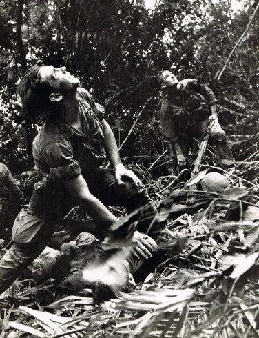 Photo by Art Greenspon - Helicopter medical evacuation - April 1968 - Vietnam War