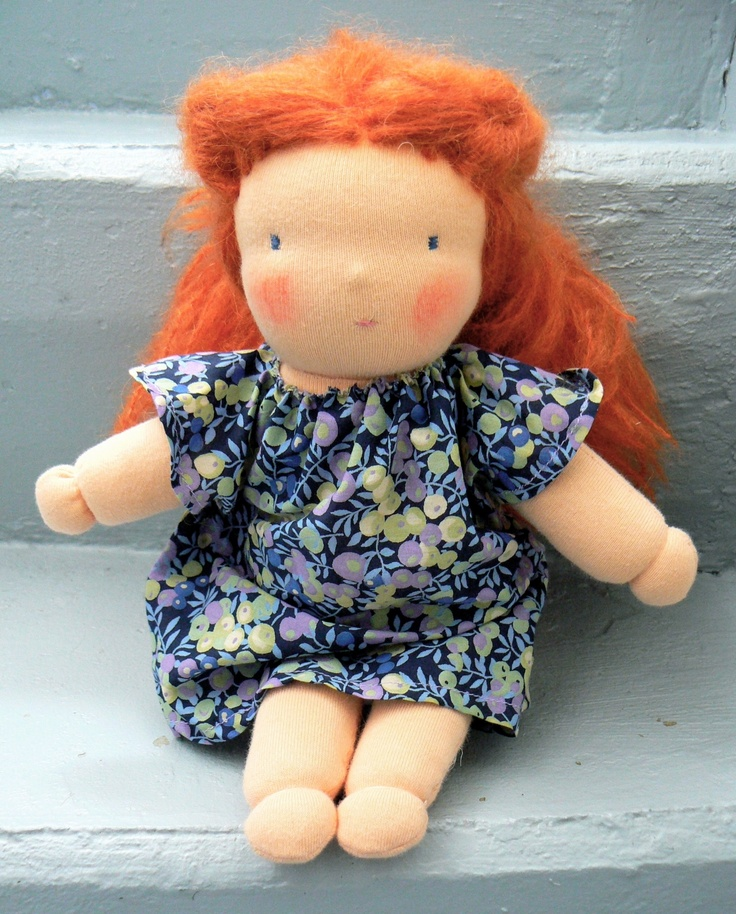 Adèle, poupée d'inspiration Waldorf