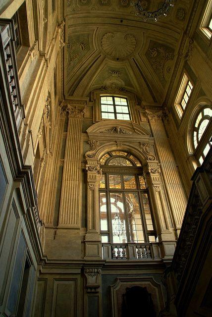 Palazzo madama rome italy milano giorno e notte we for Palazzo villa torino