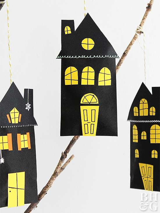 These miniature haunted house favor bags will have your guests screaming in delight!