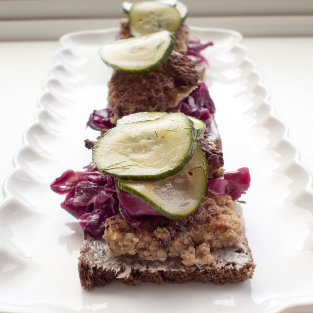 Just found the amazing Danish lunch: smørrebrød!!  Fantastic concept and simple execution for something so good!