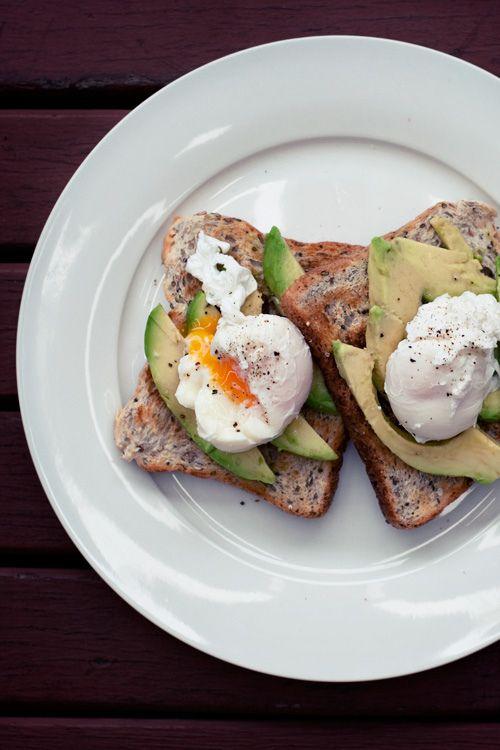 avocado and egg on toast: Breakfast Eggs, Eggs Breakfast, Healthy Breakfast, Healthy Eating, Delicious Breakfast, Healthy Recipes, Healthy Food, Avocado Toast, Poached Eggs