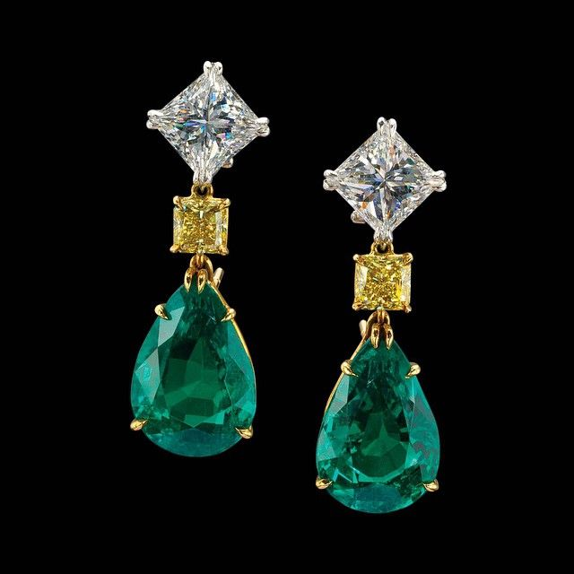 Exceptional 31.41 carat Colombian Emerald, White Diamond and Yellow Diamond Earrings by #ronaldabram