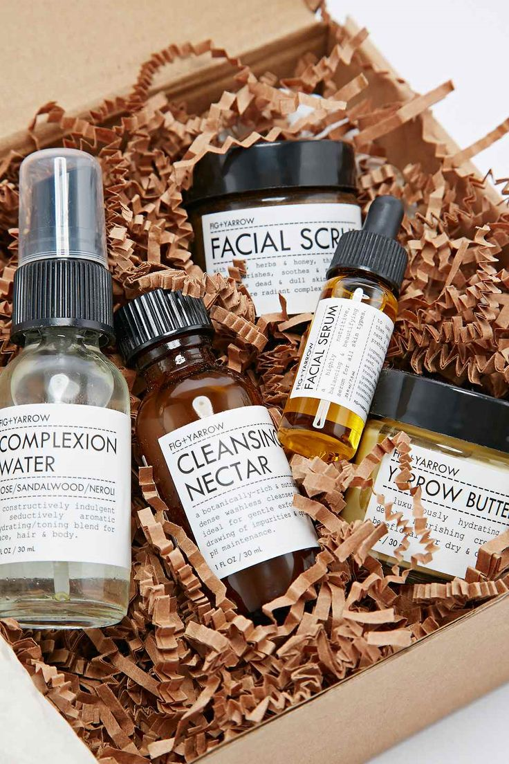 Fig + Yarrow Kit   This facial care kit is perfect for convenient on-the-go skincare, for skin in need of repair or airplane-induced dehydrated skin.