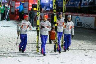 Norwegen auf den Weg zur Siegerehrung beim FIS Weltcup Skispringen in Willingen / Hochsauerland | Fotograf Kassel http://blog.ks-fotografie.net/pressefotografie/skispringen-fis-weltcup-willingen-2016-fotojournalist/