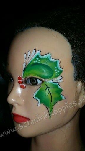 Kerst eye design painted by Schminkkoppies