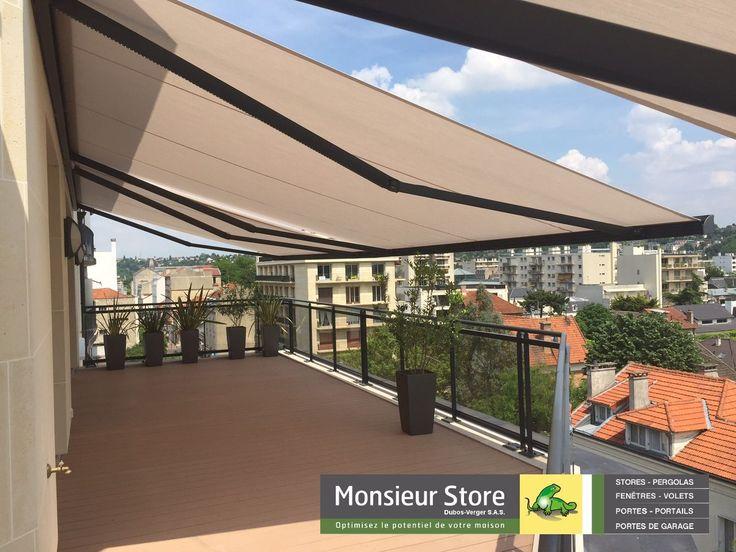 Store Banne ULTIMO coffre électrique LED gris anthracite terrasse appartement rooftop