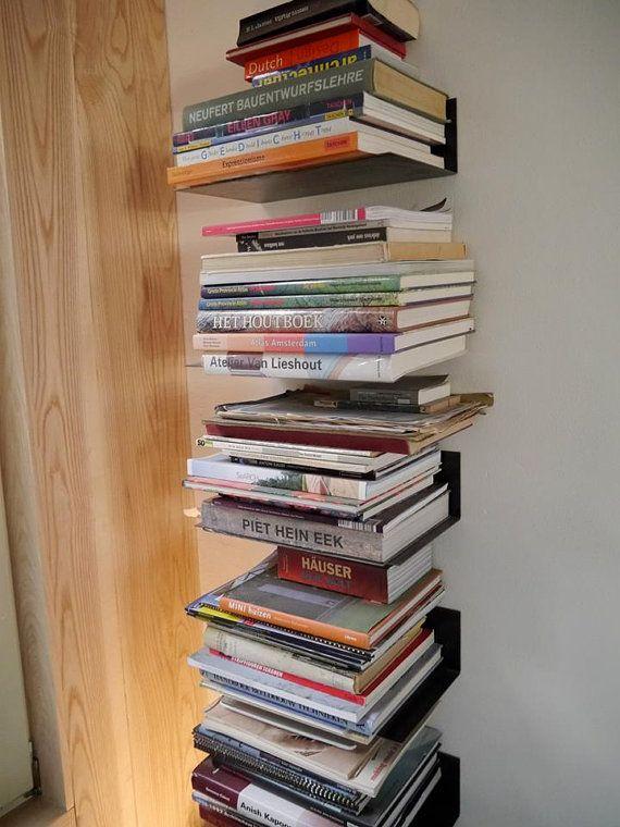 Zwart stalen boekenplank van WijMakenAlles op Etsy, €25.00