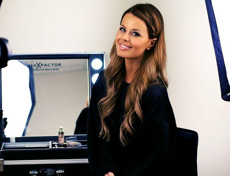 Nettenestea max factor lookbook smokey eyes linda wickmann sminke tutorial video behind the scenes makeup metallisk look øyeskygge produkter tips