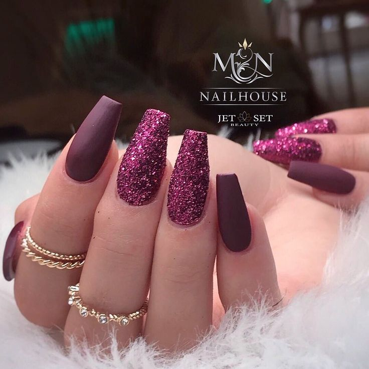 Chianti Glitter and color Combo  @mn_nailhouse_melissatosun @jet_set_beauty_nail…