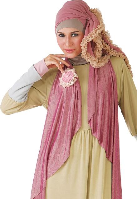 Jilbab Ceruty Ruffles - Bahan chiffon ceruty. Size 120x120cm. Warna : coklat, fucia. Dzakirah boutique - $11.00