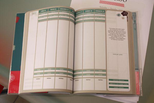 """Au Japon, un """"kakebo"""" est un livre de comptes tenu par la maîtresse de maison. Elle y reporte les dépenses du ménage et peut l'utiliser comme un journal intime."""