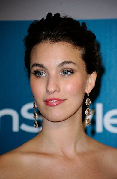 Wedding makeup inspiration - Rainey Qualley at the 13th Annual Warner Bros. And InStyle Golden Globe Awards After Party.