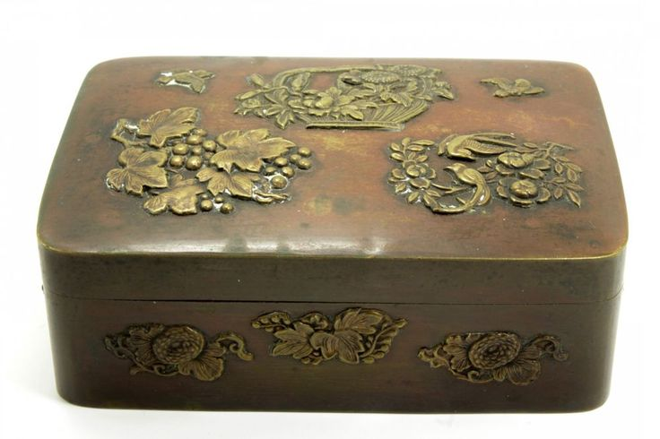 This is a charming antique bronze box crafted in Japan during the Meiji era of the 19th century. The box is decorated with floral bouquets and flying birds. In overall very good condition with minor surface scratches and abrasions consistent with age and use. | eBay!