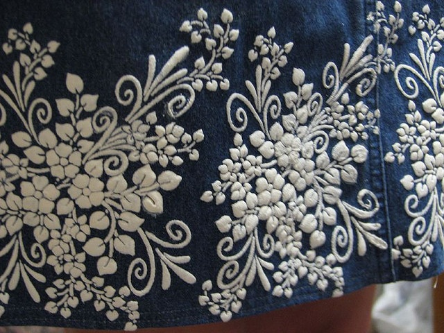 how to use puffy paint on fabric