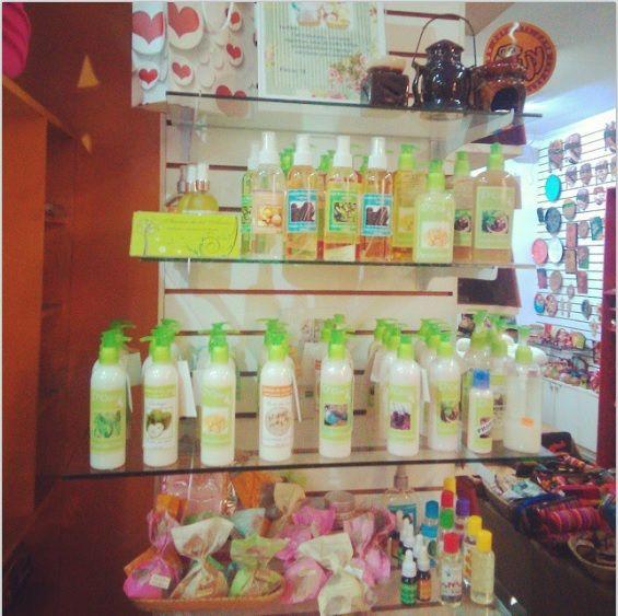 Conoce la gran variedad de productos que tenemos para ti! Sales de baño, aceites esenciales, aromatizadores de ambiente, cremas hidratantes y mucho mas!   www.aromadelosandes.com