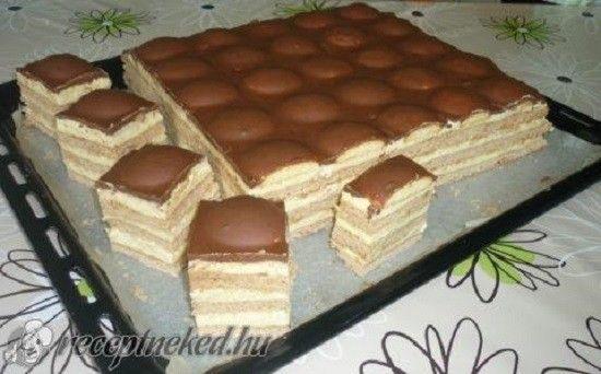 Ez nagyon finom, már ettem vendégségbe én is elfogom készíteni -:) Nagyon finom süteményHozzávalók a tésztához40 dkg liszt,4...