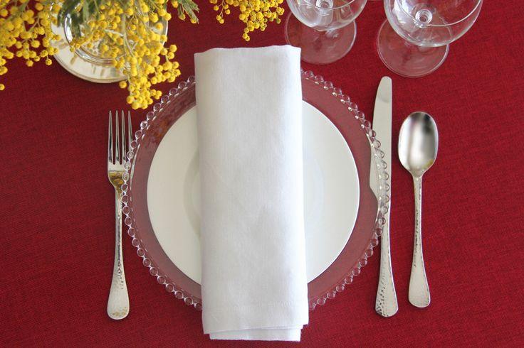 alquiler mantelería color rojo burdeos para catering, particulares, floristas, decoradores, wedding planner, empresas, organizadores de eventos, organizer planner, hoteles, restaurantes