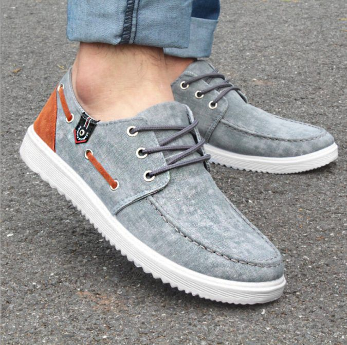 Mens Canvas Shoes In Tan Color