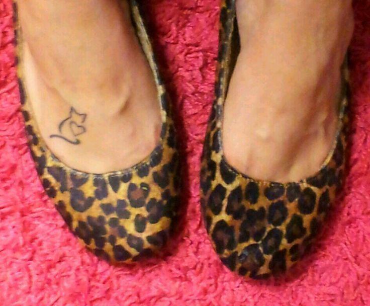 Small Cat Tattoo On Right Foot