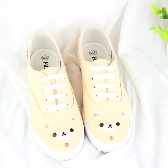 Hand painted small pure and fresh and soft sister bear canvas shoes white shoe/K0177
