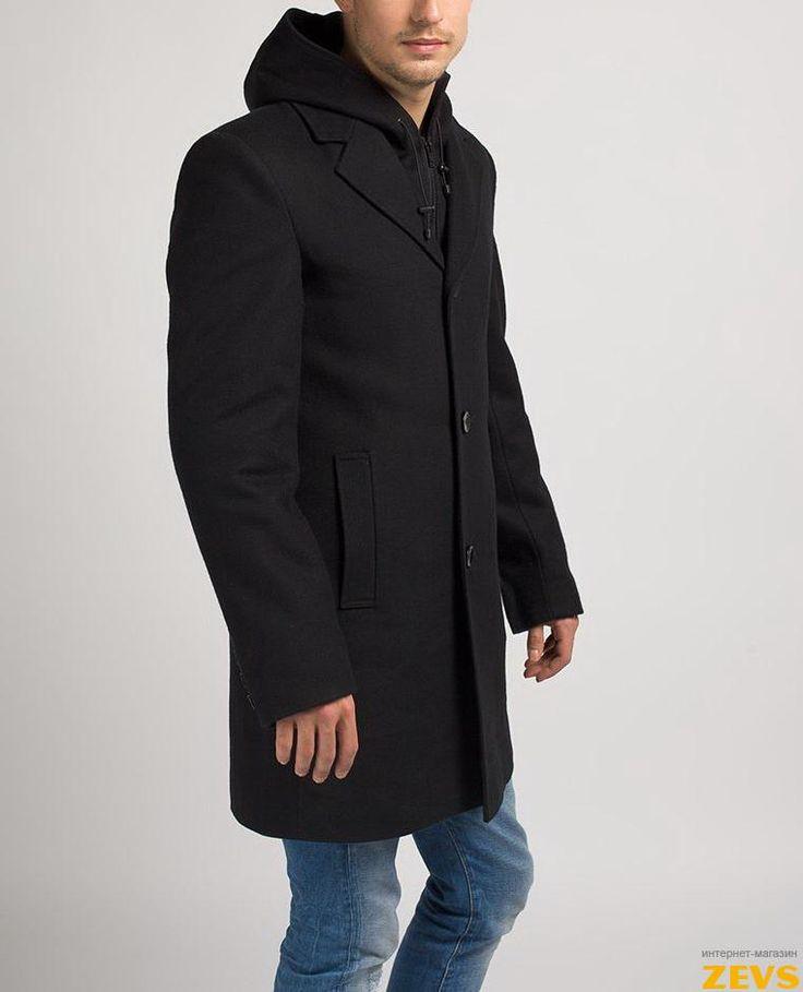 Красивое модное мужское пальто сделает образ каждого мужчины идеальным.