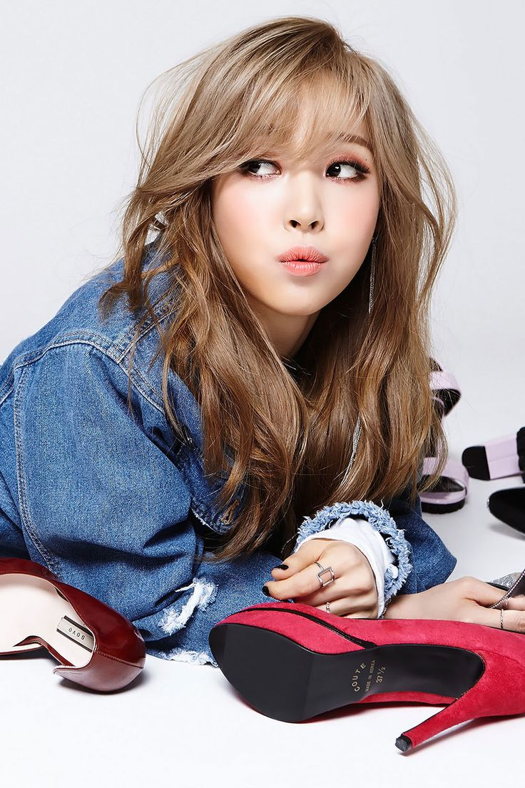 """[HQ] MAMAMOO Moonbyul for Pink Funky 2250x1500 ""                                                                                                                                                                                 More"