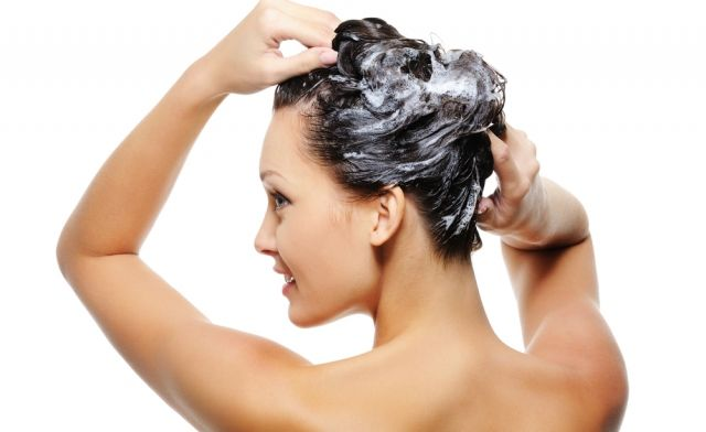 Are you washing your hair in right way??? If not, Look at these 10 steps to shampoo your hair...