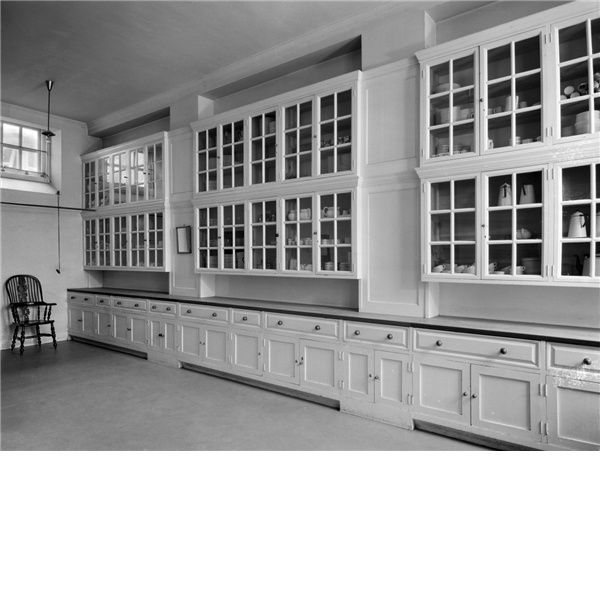 lutyens butler's pantry   The butler's pantry at Middleton Park. The house was designed by Sir ...