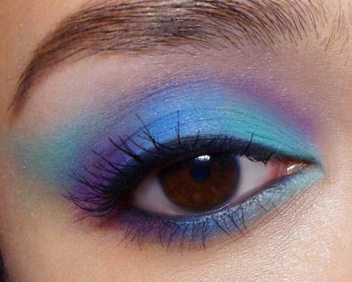 Bright Reverse-Color Lid with #Matte Shadows  http://makeupbox.tumblr.com/post/31836141101/reverse-color-lid-88-matte-palette-i-did-a  #tutorial #makeup #beauty #blue #violet #eyeshadow #88palette: Matte Shadows, Makeup Ideas, Makeup Beautiful, Nails, Purple Eye Makeup, Makeup Hair Ideas, Eyeshadows 88Palett, Makeup 3, Violets Eyeshadows