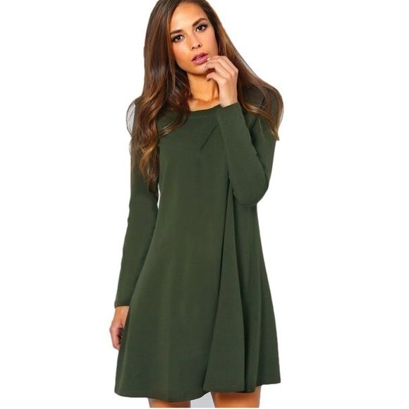 gorgeous green long sleeve dress When I bought this dress it fit so I took off the tags but I forgot about it in my closet and never wore it so now it's just not my style. It's a gorgeous green long sleeve dress, perfect for any season. Dresses Long Sleeve